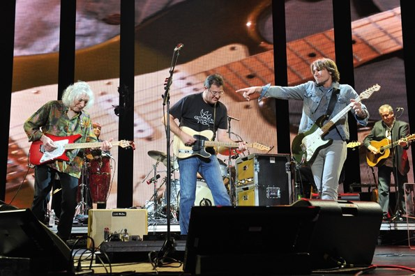 image for Vince Gill uses his LWTA during a show with Keith Urban and Albert Lee at Eric Clapton's Crossroads Festival 2013.